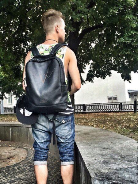 Мужской-кожаный-рюкзак-Zigzag-C031-(черный)-(2)